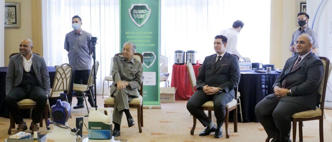 From Left to Right Seated: Faizan Khan, Yang Berhormat Tun Dr. Mahathir Mohamad, Dr. A.J Minai, Dr. Rayyan Eshaghpour.